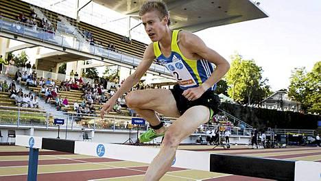 Janne Ukonmaanaho oli ykkönen 3000 metrin esteissä Turussa.