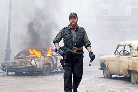 Näyttelijän toistaiseksi viimeinen elokuva on Sylvester Stallonen käsikirjoittama äijärymistely The Expendables 2 vuodelta 2012.