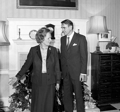 Presidentti Mauno Koivisto tapasi pääministeri Margaret Thatcherin tämän virka-asunnolla 13. marraskuuta 1984.