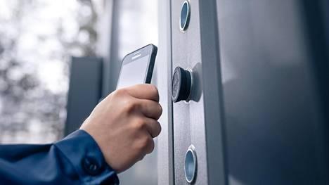 Lisää rahaa tarvitaan uusien tuotteiden, kuten älypuhelimella avattavien lukkojen, kehittämiseen.