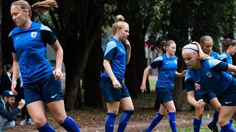 Suomen alle 17-vuotiaiden tyttöjen maajoukkue oli mukana ikäluokan MM-kisoissa.