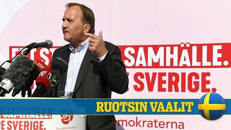 Stefan Löfvenin johtamat sosiaalidemokraatit ovat ovensuukyselyjen mukaan pitämässä paikkansa Ruotsin suurimpana puolueena. Kokoomuksen puoluesihteeri Gunnar Strömmer ehti kuitenkin jo vaatia pääministeriä eroamaan.