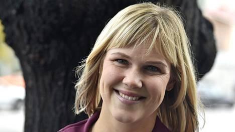 Golftähti Minea Blomqvist-Kakko piti vain puolentoista viikon äitiysloman