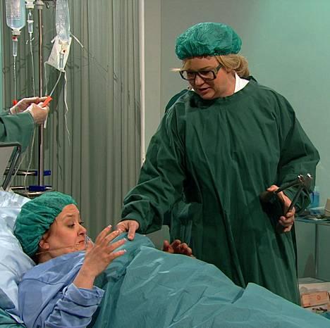 Maria Sid pääsee improvisoimaan kirurgin roolin Luojan kiitos! -viihdeohjelman avausjaksossa (pe 6.3. MTV3 klo 20.05).