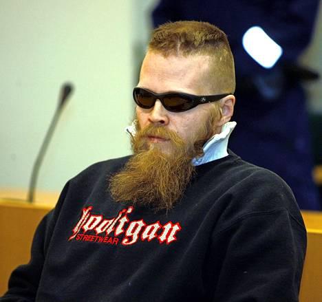 Raija Muukkosen murhasta tuomittu Hannu Rissanen hyökkäsi kuulusteluissa kuulustelijan kimppuun.