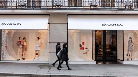 Chanelin liike Lontoon New Bond Streetilla. Kuvituskuva.