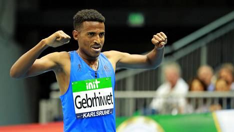 Hagos Gebrhiwet sekosi laskuissa Lausannen 5000 metrillä. Arkistokuva.