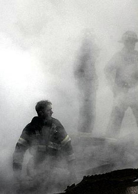 WTC tornien raunioilla työskenteli noin 10 000 ihmistä ei pelastustehtävissä.