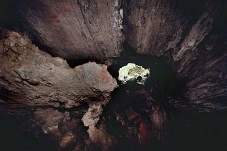 Torholan luola on Suomen suurin kalkkikiviluola.