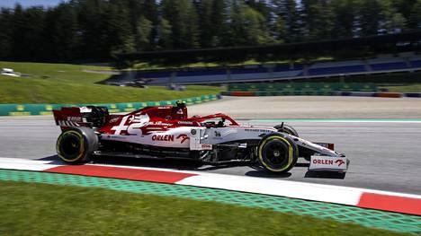Robert Kubica testasi viime viikolla Antonio Giovinazzin autoa.