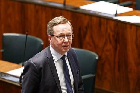 Elinkeinoministeri Mika Lintilän nimi toistui useissa kommenteissa.