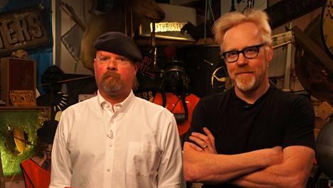 Jamie Hynemanin ja Adam Savagen tehtävänä on tänään tutkia, syntyykö herkkuateria tiskikoneessa tai jopa auton moottorissa.