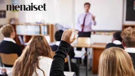 """Nelikymppinen luokanopettaja Anssi ei kestä enää työtään: """"Kun Suvivirsi soi, siirryn myyntimieheksi"""""""