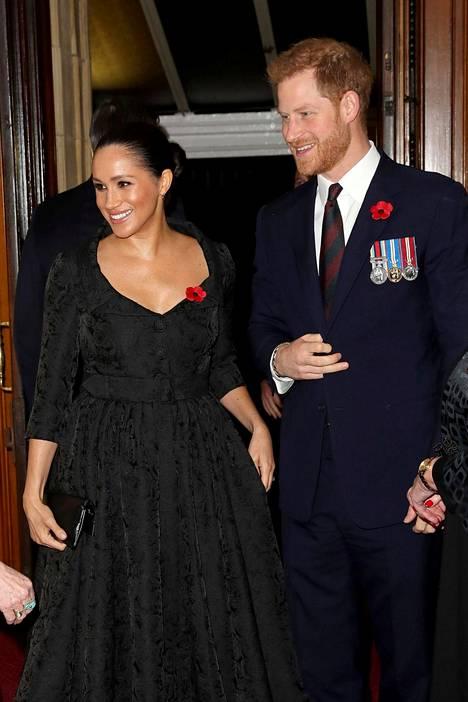 Sussexin herttuapari osallistui samaan tilaisuuteen Cambridgen herttuaparin kanssa ensimmäistä kertaa sen jälkeen, kun Harrysta ja Meghanista kertova kohudokumentti valmistui.
