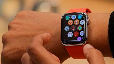 Apple on älykellojen selvä valtias. Kuvassa Apple Watch Series 5 vuodelta 2019.