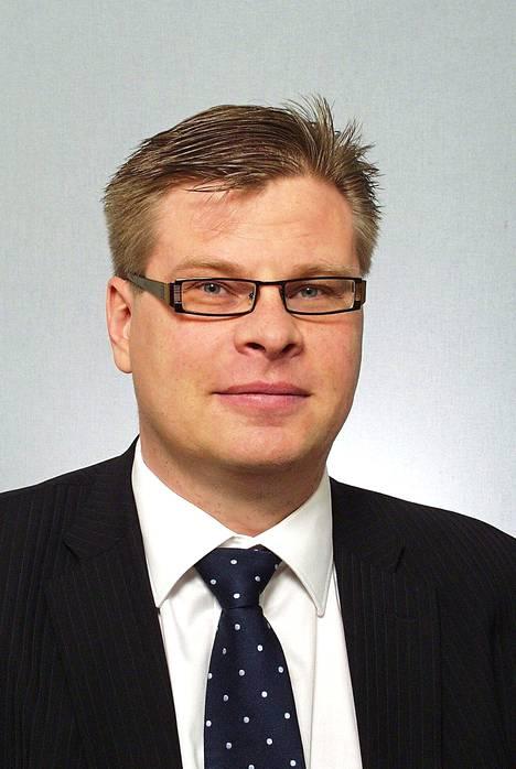 Professori Kari Liuhto toimii Pan-Eurooppa Instituutin johtajana.