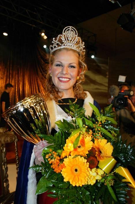 Strömberg kruunattiin Suomen kauneimmaksi vuonna 2003.
