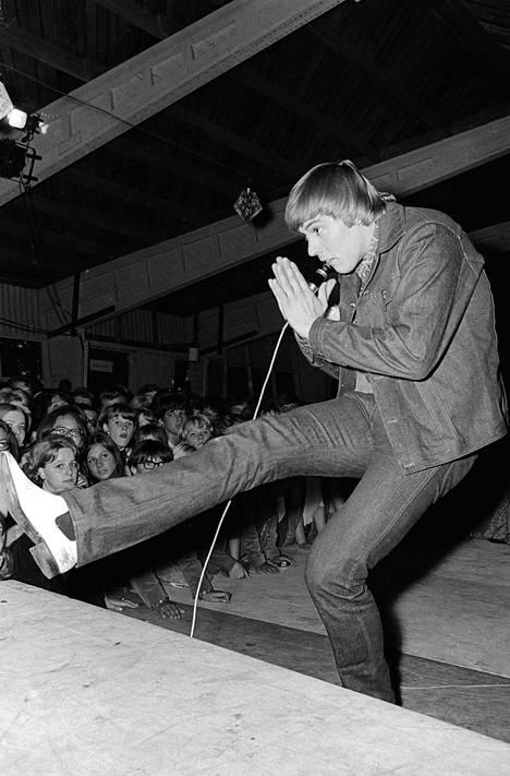 Dannyn Mustaa ja valkoista -show veti tuvan täyteen Karkkilassa heinäkuun 14. päivä vuonna 1967.
