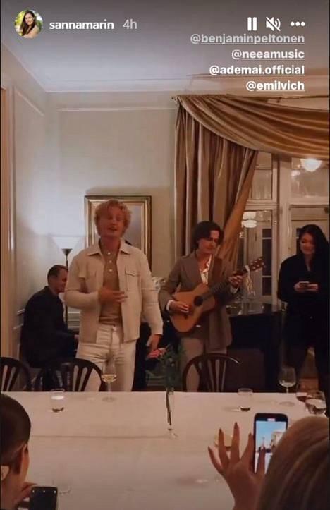 Benjamin Peltonen esiintyi Kesärannassa Emil Korkiakosken säestäessä kitaralla ja Atte Rannan soittaessa koskettimia.