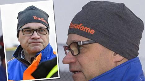 Pääministeri Juha Sipilän kaivosvierailulla käyttämästä Terrafame-yhtiön logolla varustetusta piposta on tullut hittituote.