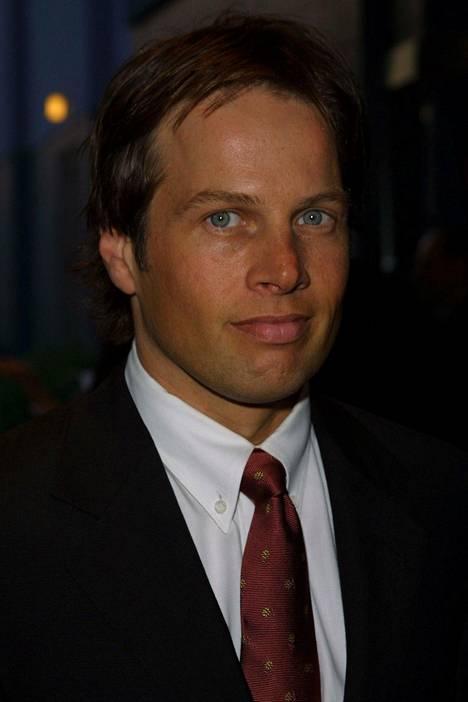 Muita sarjassa nähtyjä vakiohahmoja olivat muun muassa James Le Grosin esittämä asianajaja Mark Albert, jolla oli pakkomielle hammashygieniasta.