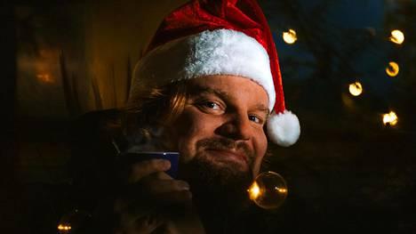 Ismo Leikola yllätti faninsa säveltämällä suomenkielisen joululaulun.