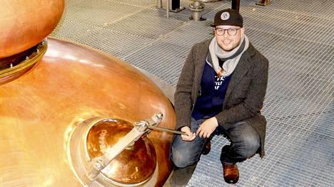 Kyrö Distillery Company alkaa valmistaa käsidesiä, kertoo toimitusjohtaja Miika Lipiäinen.