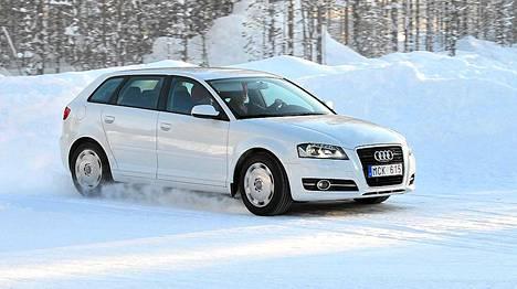Testissä käytettiin Audi A3 -mallista autoa.