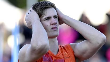 Oliver Helanderin ennätysheitto hylättiin yliastuttuna.