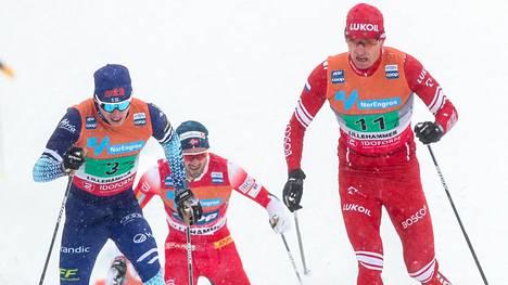 Iivo Niskanen kamppaili sunnuntaina maailmancupin viestissä Venäjän Jevgeni Belovin kanssa. Niskasen pääkilpailijoista Johannes Hösflot Kläbo, Emil Iversen ja Aleksandr Bolshunov jättivät viestin väliin.