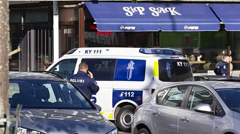 Poliisi hälytettiin torstai-iltana Kauppalankadulla sijaitsevaan Sip Sak -nimiseen ravintolaan.