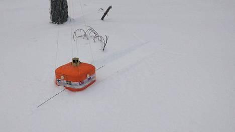 Hyötykuorma eli vaahtomuovilaatikko laskeutui Rajamäelle, 137 kilometrin päähän lähetyspaikasta.