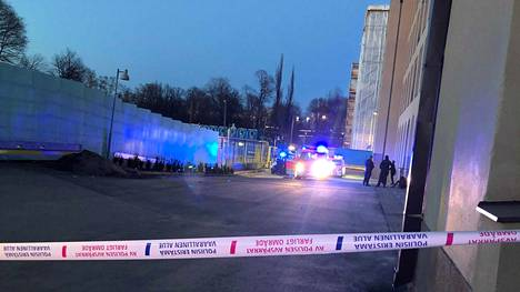 Puukotus tapahtui Helsingin päärautatieasemalla maanantai-iltana. Surmansa sai 24-vuotias henkilö.