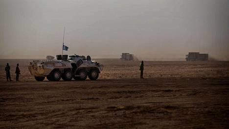 Arkistokuva YK:n rahanturvaoperaation autosaattueesta Malissa.