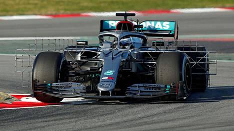 Valtteri Bottas kuvattuna F1-testeissä keskiviikkona.