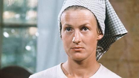 Rose-Marie Rosenback hurmasi Myrskyluodon Maija -sarjan pääosassa 1976. Sarja nähdään nyt toiveuusintana Teemalla 29.6. alkaen.