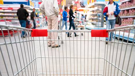 Tutkijan toivoo kaupoilta enemmän ohjausta siihen, mitkä tuotteet ovat terveellisiä ja mitkä vähemmän terveyttä edistäviä vaihtoehtoja.