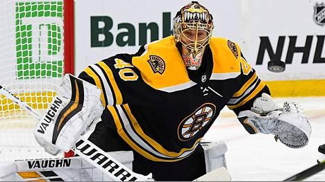 Tuukka Rask jatkaa vahvoja otteitaan NHL:n pudotuspeleissä.