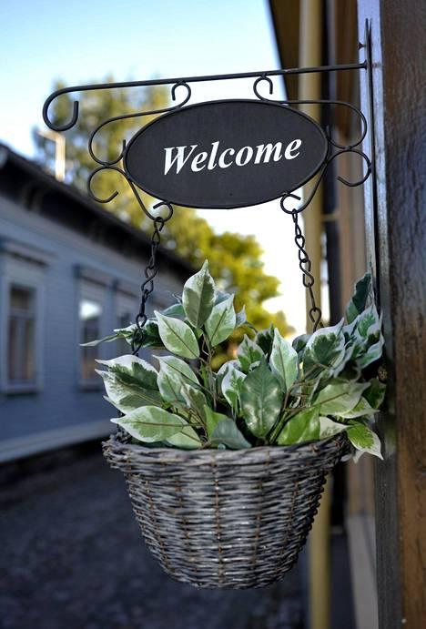 Welcome-kyltti Vanhan Rauman kaupunginosassa Raumalla.