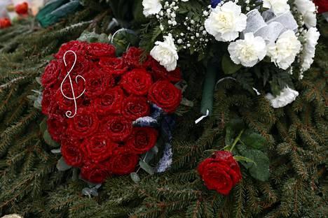 olli lindholmin hauta