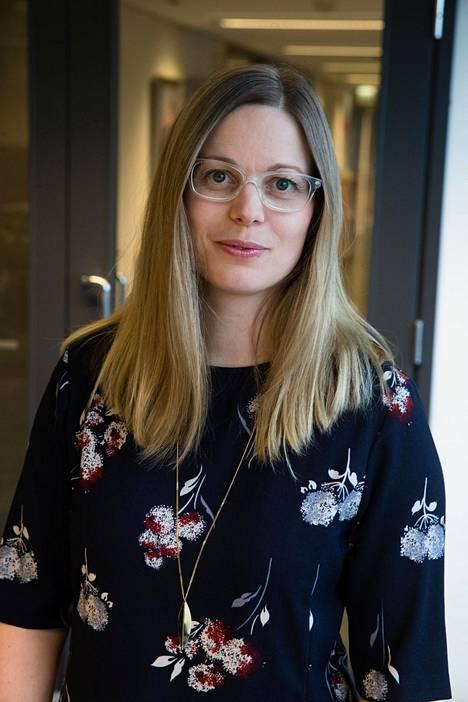 Kotimaisten kielten keskuksen nimistönhuoltaja Ulla Onkamo.