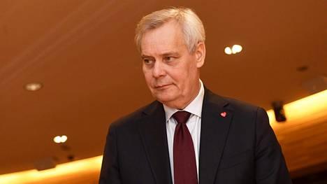 Antti Rinne saapuu Sdp:n puoluevaltuuston kokoukseen Helsingissä viime sunnuntaina.