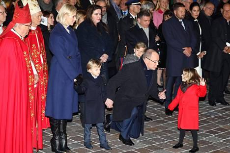 Albertilla oli painavaa sanottavaa pikkuprinsessalle.