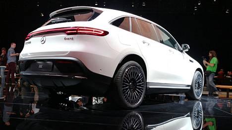 Tämän vuoden loppupuolella Suomessakin nähdään uusi EQC 400 -malli.