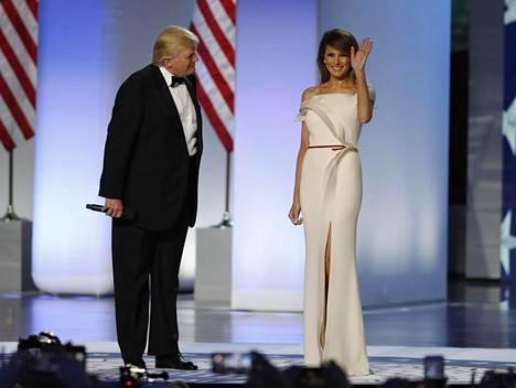 Trump esitteli vaimonsa virkaanastujaisseremonioiden yhteydessä tammikuussa 2017.