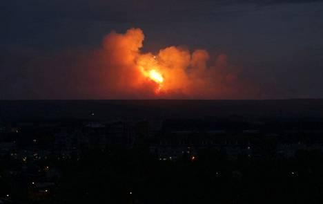 Räjähdys värjäsi taivaan Krasnojarskin alueella maanantaina.