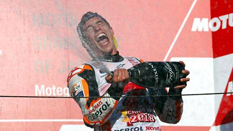 Marc Marquez varmisti MotoGP:n MM-voiton kolme kisaa ennen kauden päätöstä