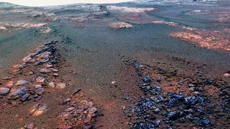 Nasan Opportunity-mönkijä selvisi Marsin pinnalla 15 vuotta voimanlähteenään aurinkopaneelit.