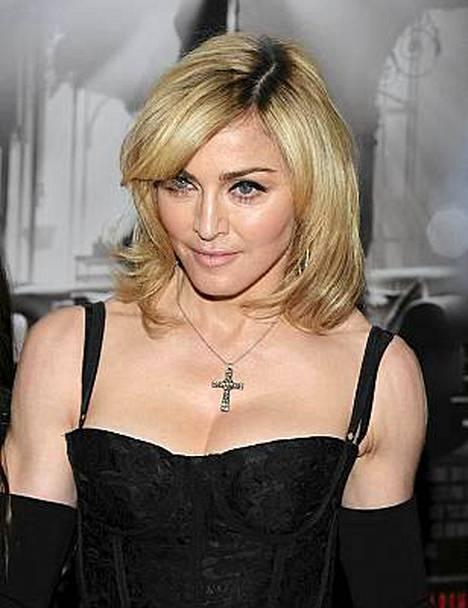 Tony Halme kirjoitti elämäkerrassaan, ettei kumarrellut edes Madonnaa.