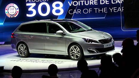 Suuremman keskiluokan autoista Škoda Octavia Combin tavaratila on perusasennossa yhtä suuri kuin uuden Peugeot 308 SW:n.